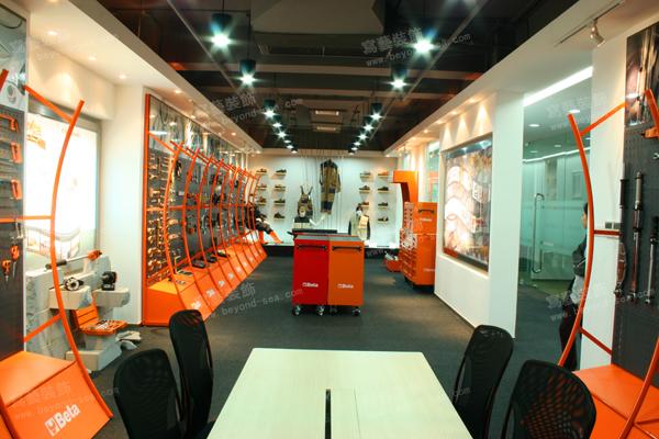 意大利百塔工业品贸易展厅设计图片4