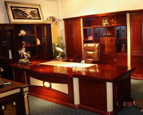 红木办公家具;; 总经理办公室装修布置讲究人性化智能化_办公空间设计
