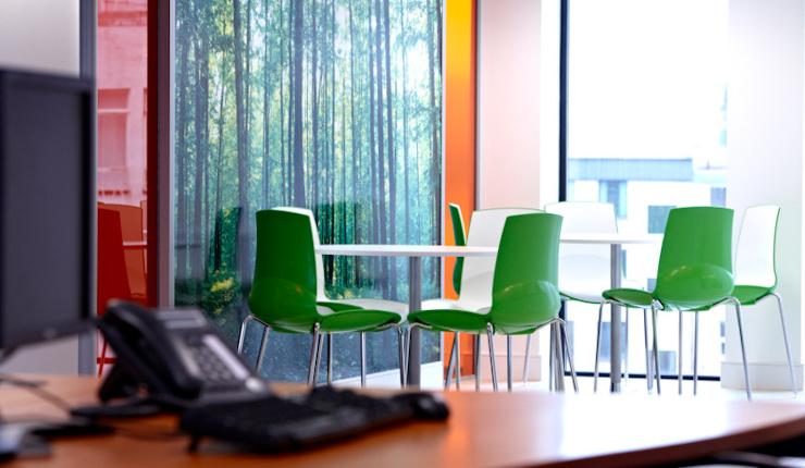 国外办公室装修设计欣赏 jhc科技 办公室装修配图 8