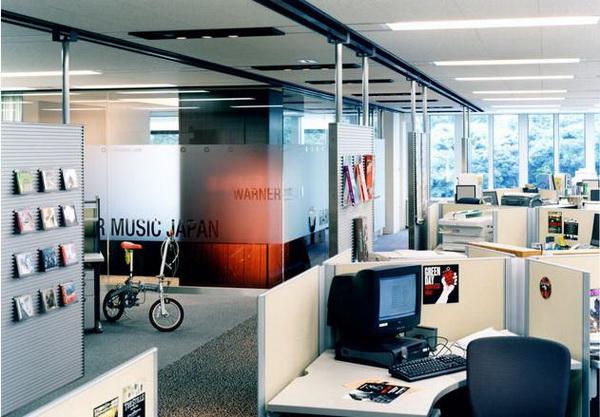 国外办公室装修设计欣赏 warner音乐日本