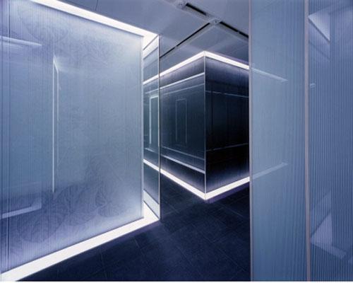 国外办公室装修设计欣赏 calyon贸易日本办公色装修