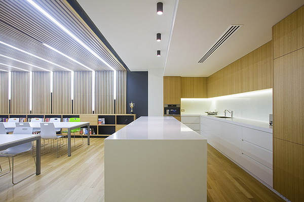 办公室装修设计中顶棚的两种分类
